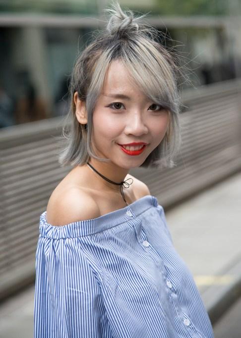 Gorgeous Fall Hairstyles: Gray hair half up bun | Fall Beauty 2017