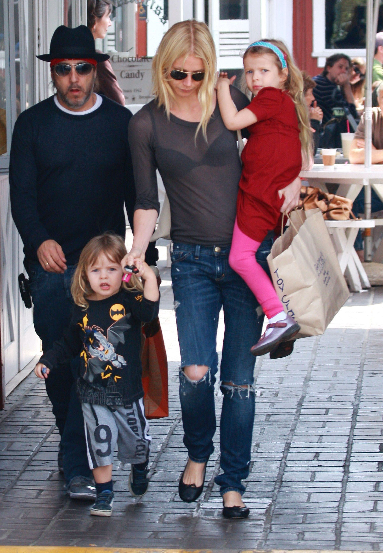 Gwyneth Paltrow with her kids
