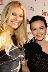 Gwyneth Paltrow & Leighton Meester sing on screen and off