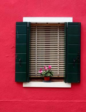 How to repaint your shutters