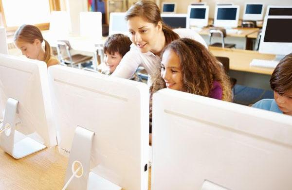 Teachers going high-tech: Classroom websites
