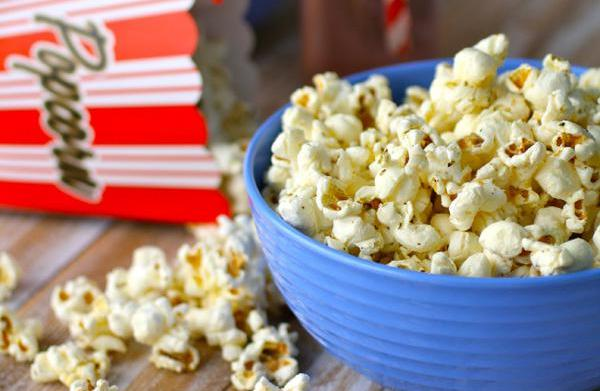 Gluten-free sweet, savory and spicy popcorn
