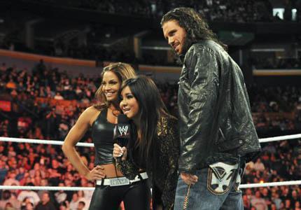 Watch Snooki's WWE Raw wrestling debut