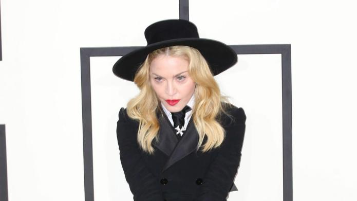 Madonna finally shows up for jury duty — an hour late – SheKnows
