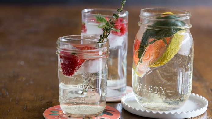 3 Simple white wine spritzers that