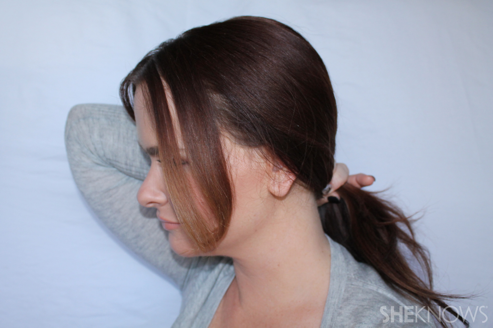 Hair bow | Sheknows.com - step 01
