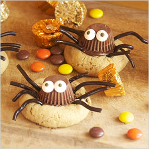 Peanut butter cookie spiders | Sheknows.ca