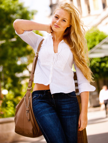 15557c8dc41 Find the right purse style for the career you want – SheKnows