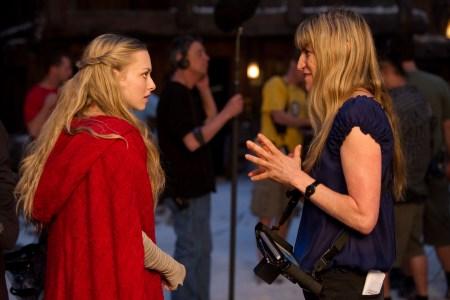Amanda Seyfried and Catherine Hardwicke on the set of Red Riding Hood
