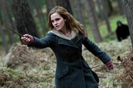 Emma watson casting a spell