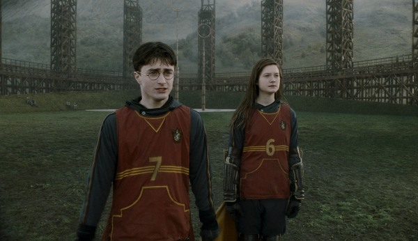 Harry and Ginny sitting in a tree...