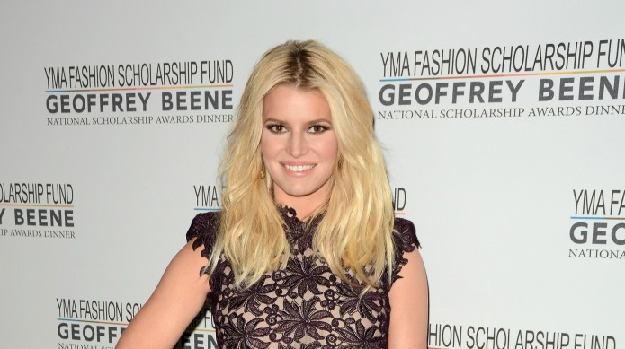 Jessica Simpson shares adorable photo of
