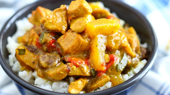 Homemade chicken curry made in instant