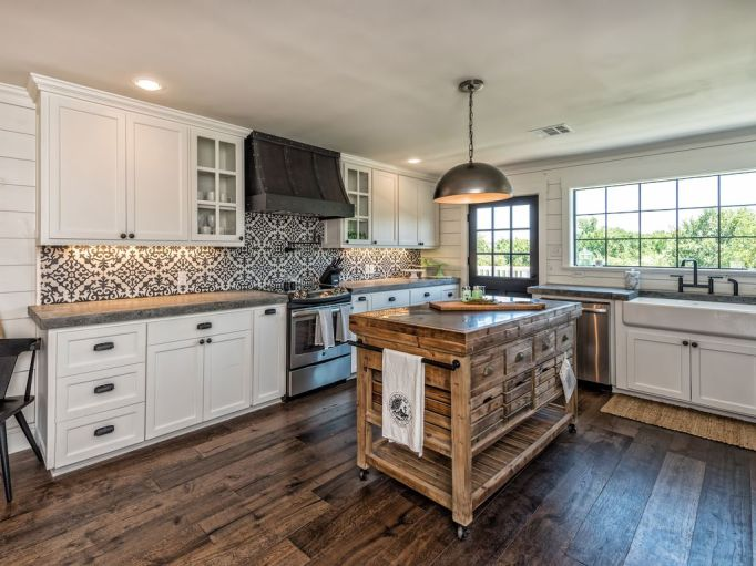 Fixer Upper Houses for Rent: The Barndominium's kitchen is fully renovated