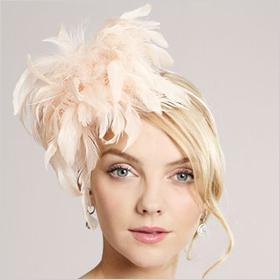 Flirty summer hair accessories