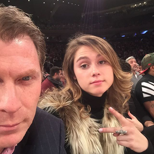 Bobby Flay and daughter Sophie at a Knicks game