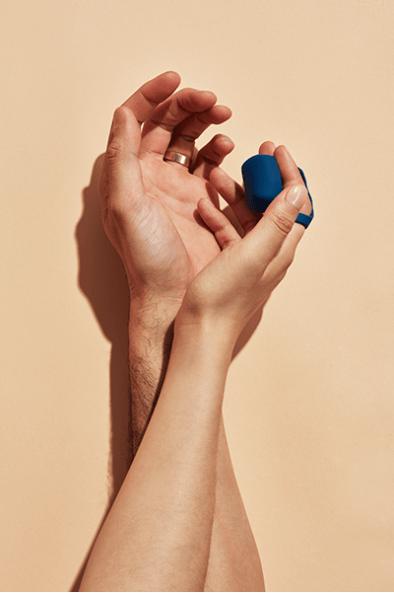 Fin finger massager