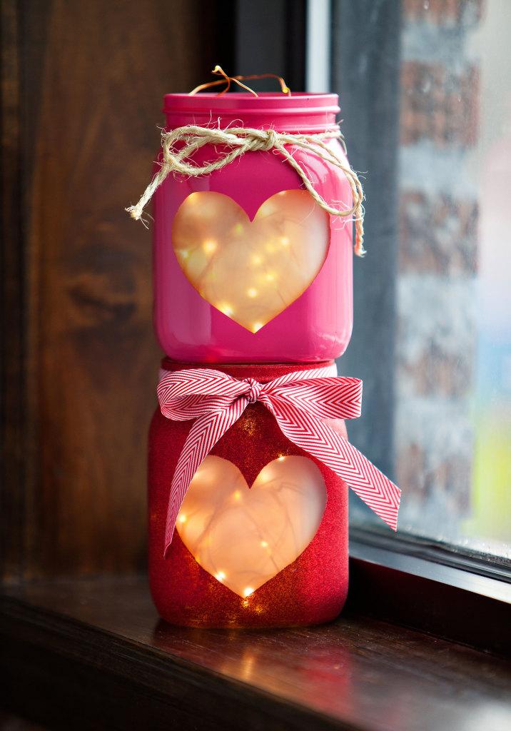 Valentine's Day Decor: Heart mason jars