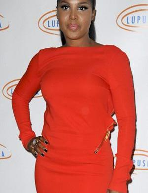 "Toni Braxton in hospital with ""Lupus"