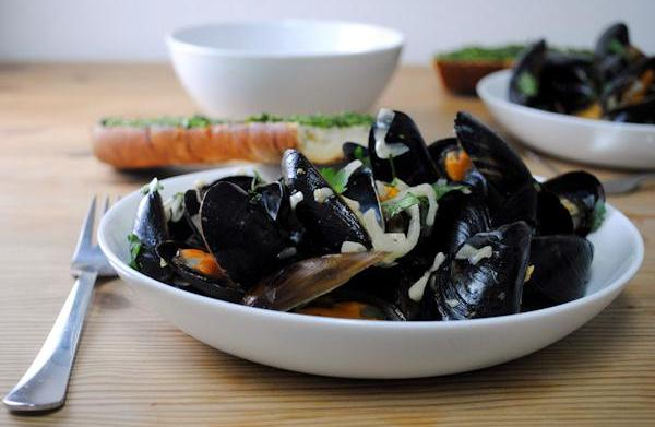 Steamed mussels in Pastis recipe