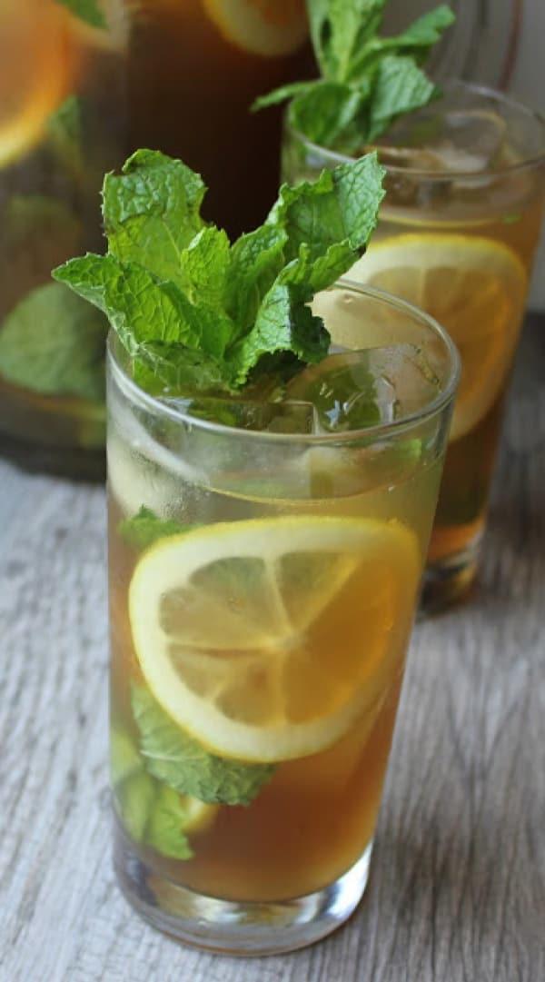 Summer Iced Tea Cocktail Recipes: Lemon-mint iced tea