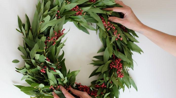 7 DIY holiday wreaths that look