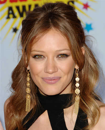 Hilary Duff half-up-halr-down prom hairstyle