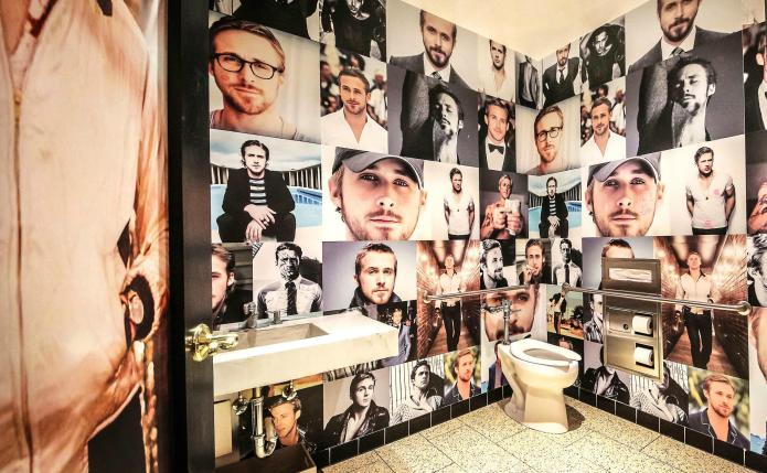 This bathroom proves Ryan Gosling fans
