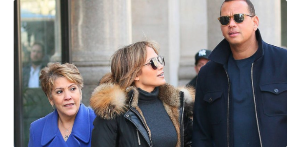 Alex Rodriguez hangs out with Jennifer Lopez and her mother