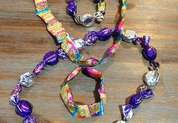 DIY kids' treats: Lolly necklaces