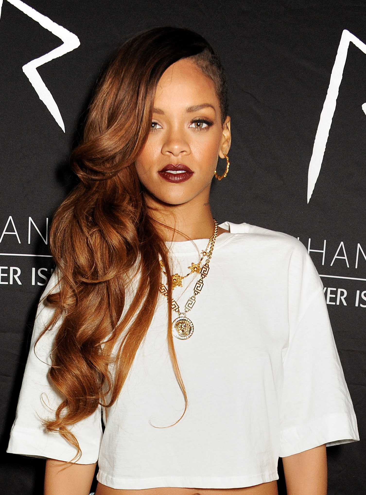 17 Awesome Rihanna Hairstyles Worth Reliving Sheknows