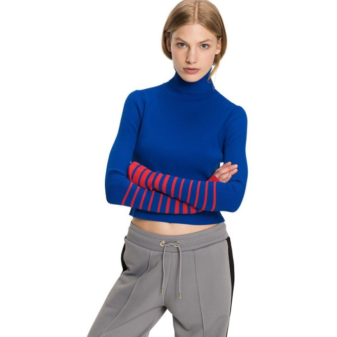 Ways To Wear A Turtleneck | Gigi Hadid sweater