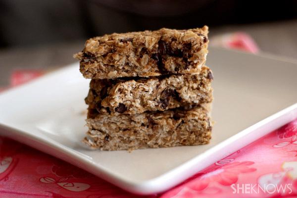 Homemade healthy granola bars recipe