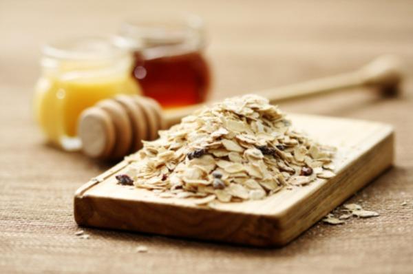 honey and oatmeal skincare
