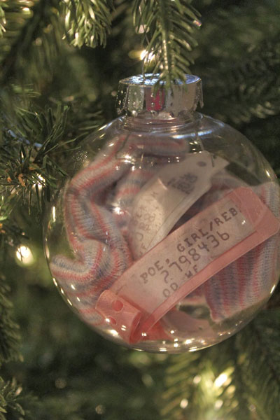 Newborn ornament - 23 Crafts To Commemorate Your New Baby €� SheKnows