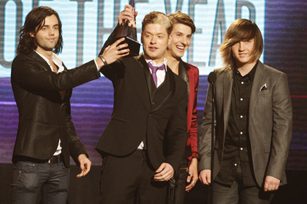 Hot Chelle Rae at the AMAs