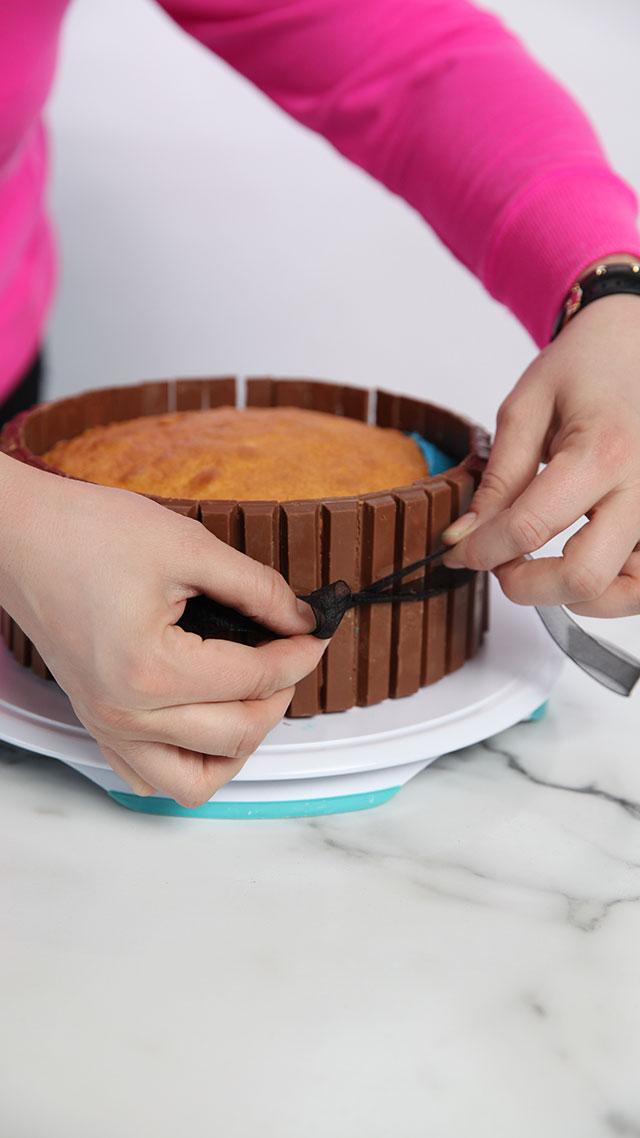 hot tub cake ribbon