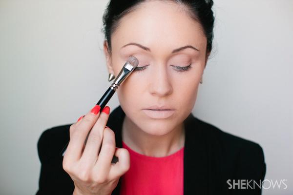 How to create a bronze smoky eye