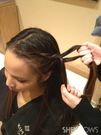 Get Lucy Liu's hairstyle from the 2013 Golden Globes -- Step 3