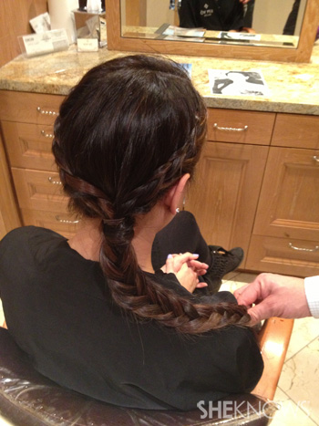 Get Lucy Liu's hairstyle from the 2013 Golden Globes -- Step 7