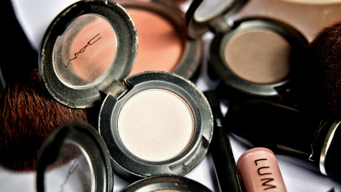 Unisex makeup is about to make