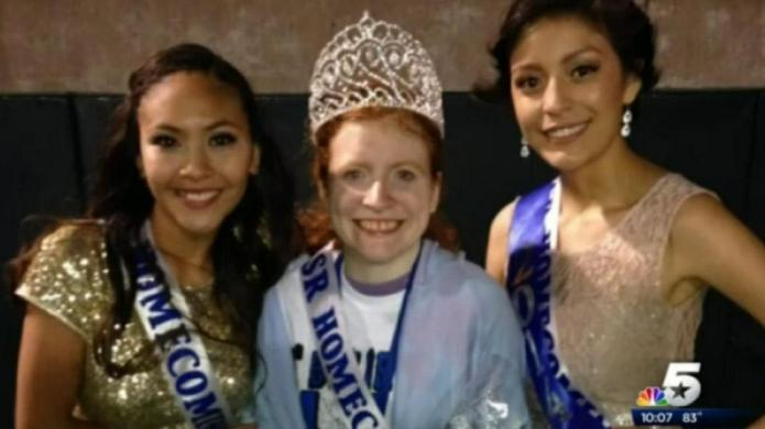 Homecoming queen shares crown with friend