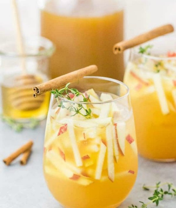 Spiked Apple Cider Recipes for All Your Fall Parties: apple gin cocktail