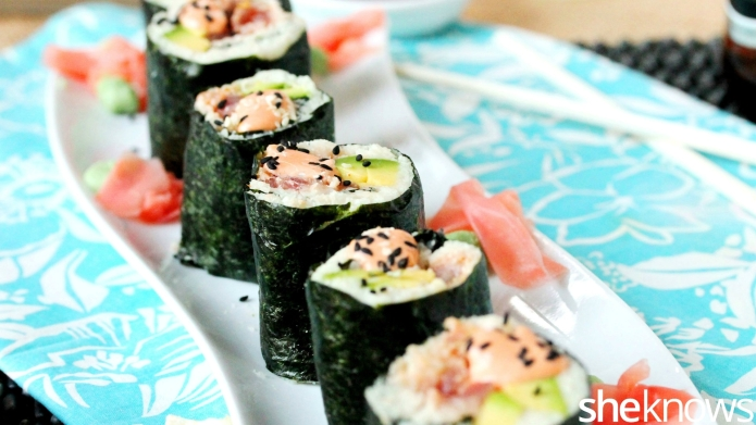 Paleo hack: Spicy tuna sushi roll