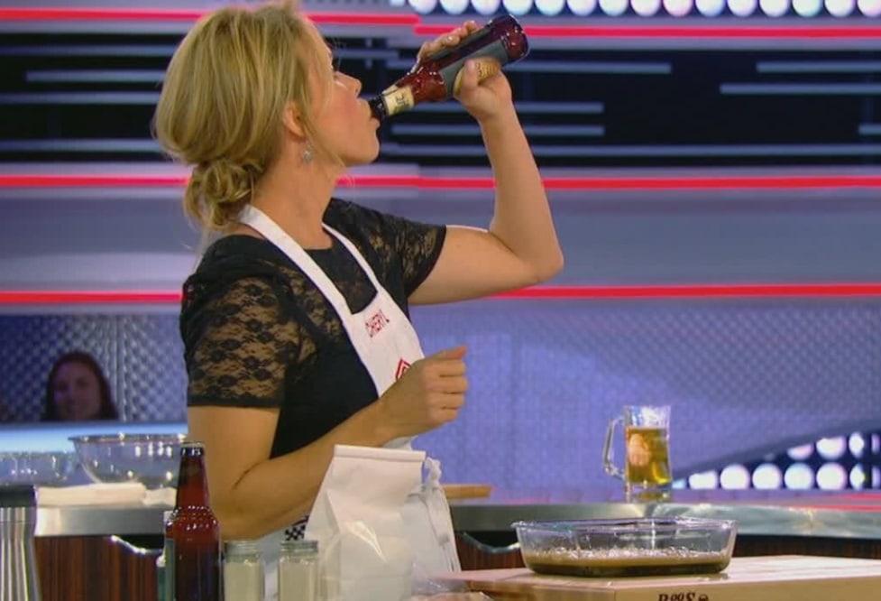 Cheryl Hines Stole The Show On Masterchef Celebrity Showdown Sheknows