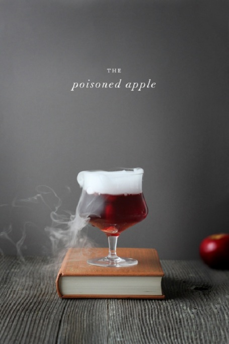 30 Halloween Cocktails & Mocktails That'll Take Your All Hallow's Eve to the Next Level: The Poisoned Apple