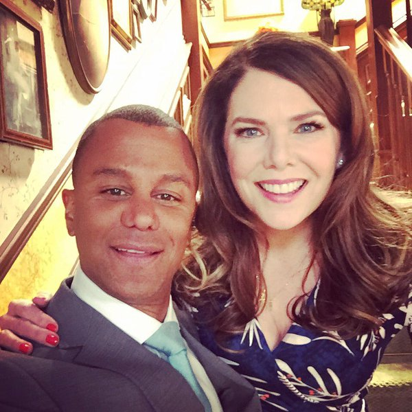 Yanic Truesdale on the Gilmore Girls set with Lauren Graham