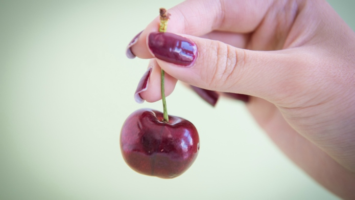 How to pit cherries with just