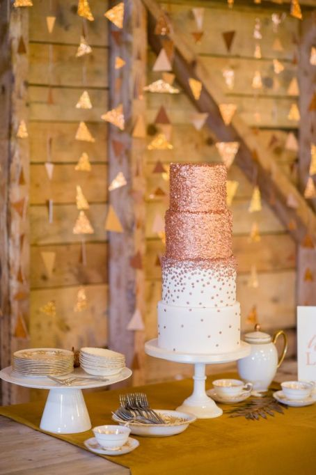 Fall Wedding Cakes: Add glamour to your fall wedding with these edible copper paillettes