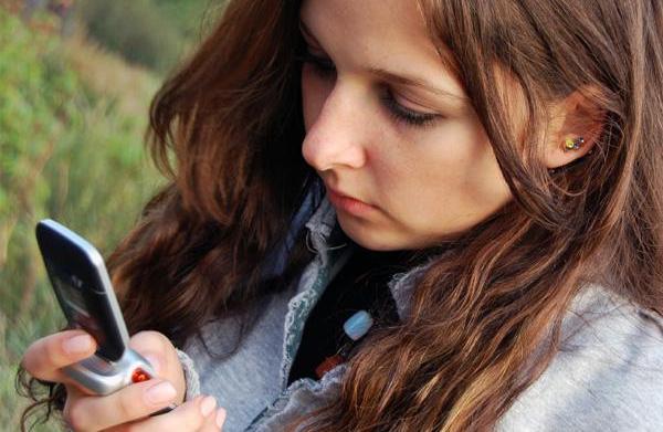 Warning signs of cell phone misuse
